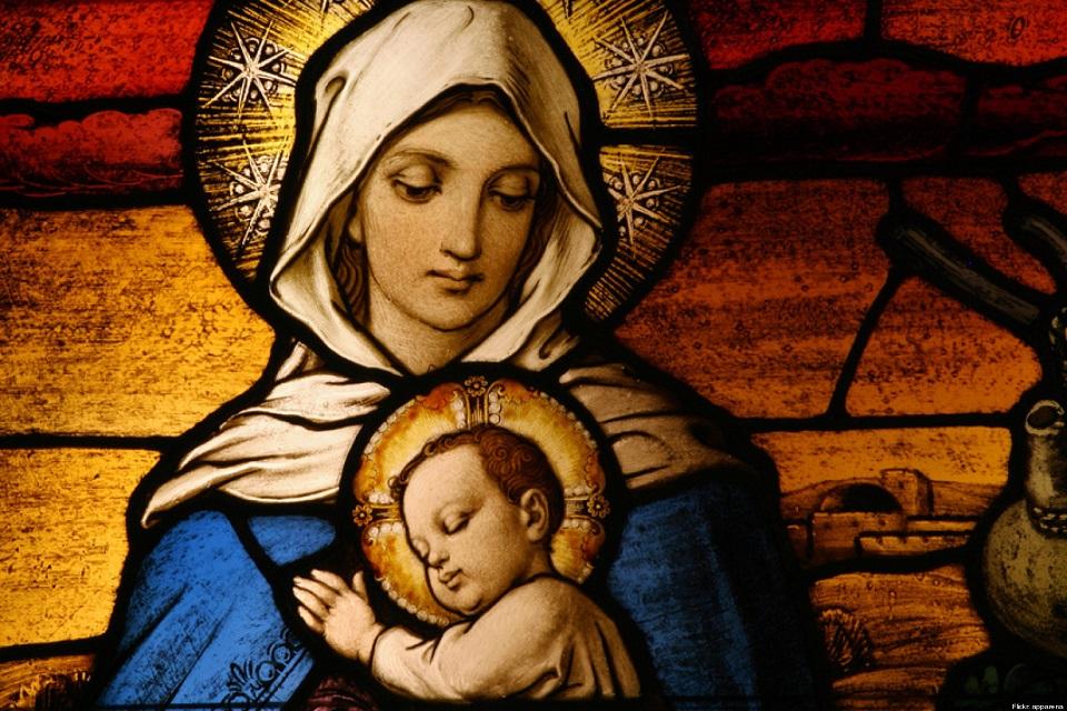 Razones por las que los católicos son devotos de María