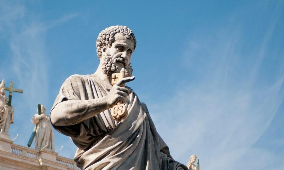 estatua san pedro apostol